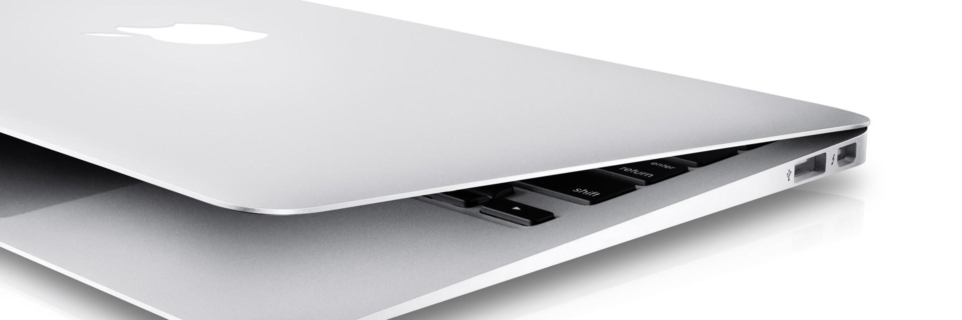 ¿Puedo usar un cargador de distintos vátios (W) con mi portátil Macbook Pro o Air?