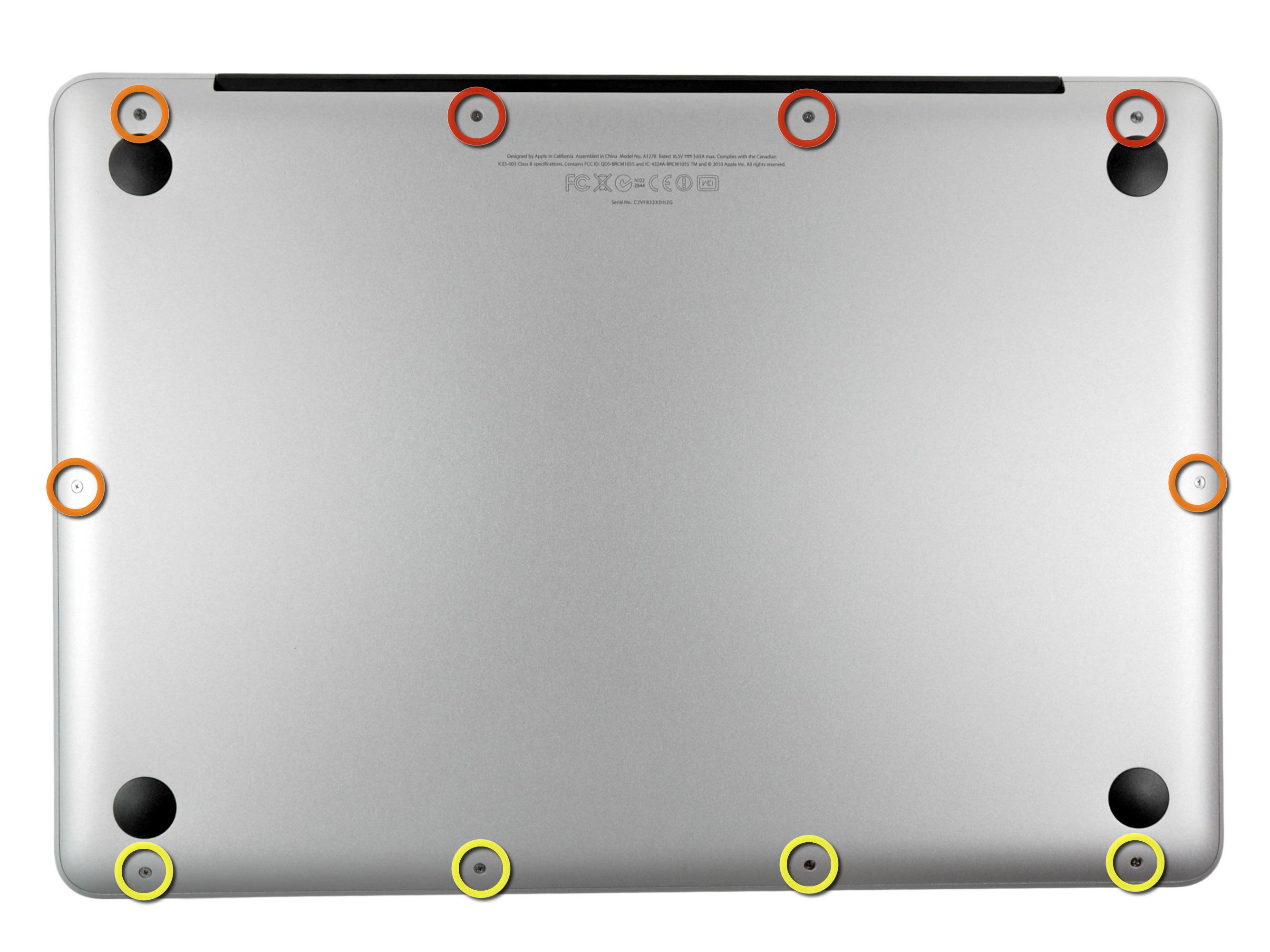 Paso-1 quitar los tornillos de la tapa inferior del Macbook Pro 2012